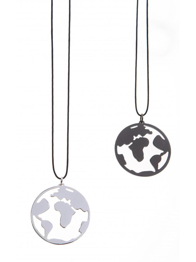 NECKLACE GLOBE